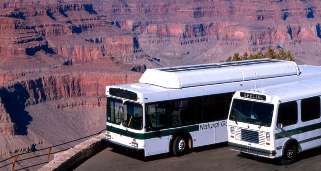 bus tour in great canyon