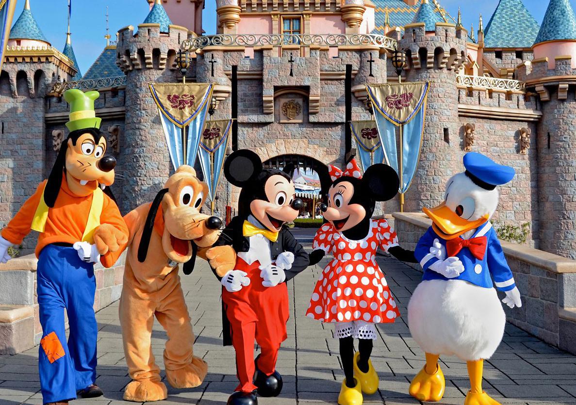 Cartoons-Charractors-In-Disneyland
