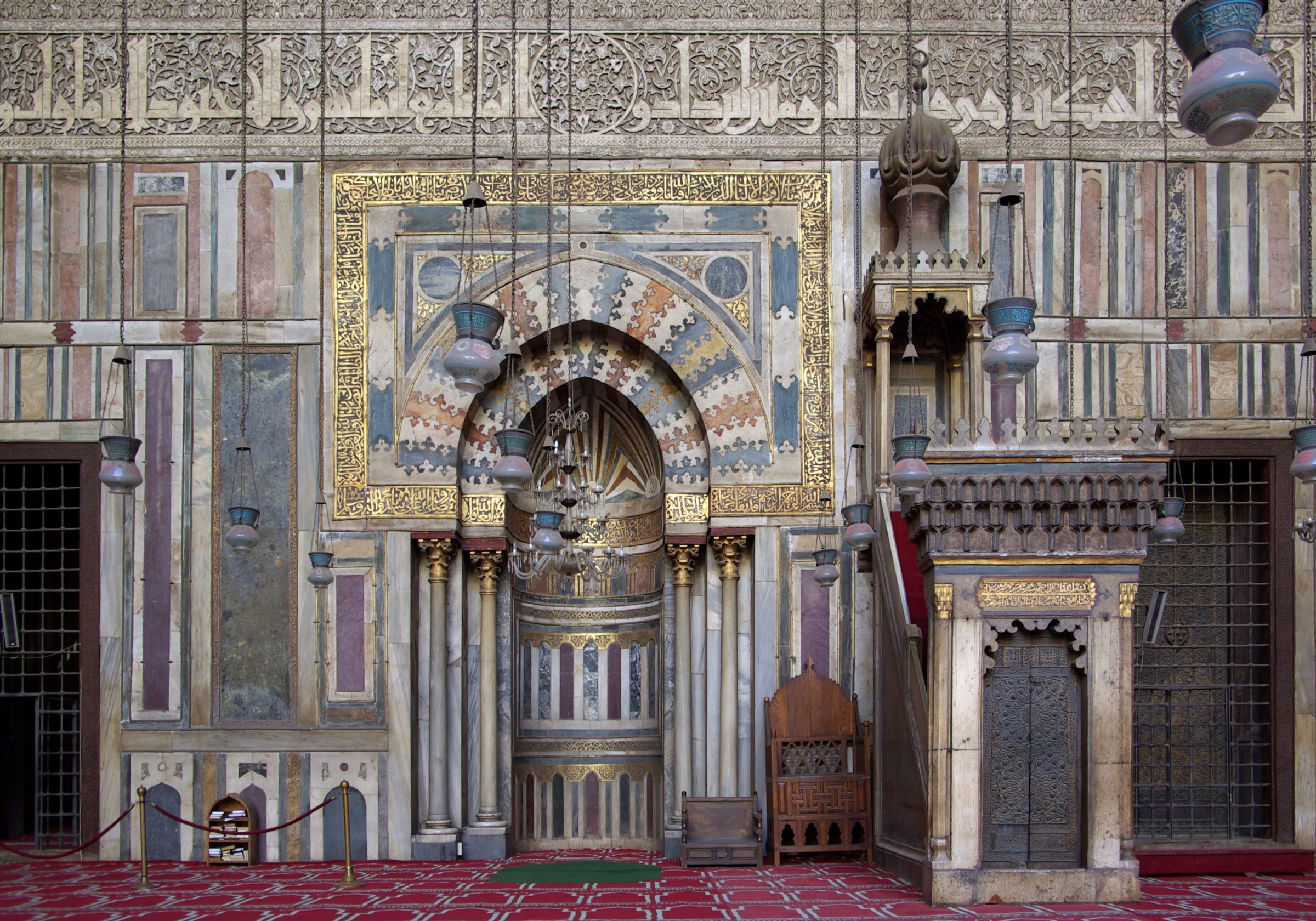 Beauty-Of-Inside-The-Mosque