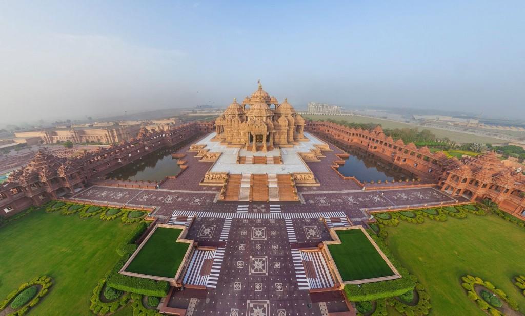Akshardham -  A Swaminarayan Temple Complex In Delhi, India