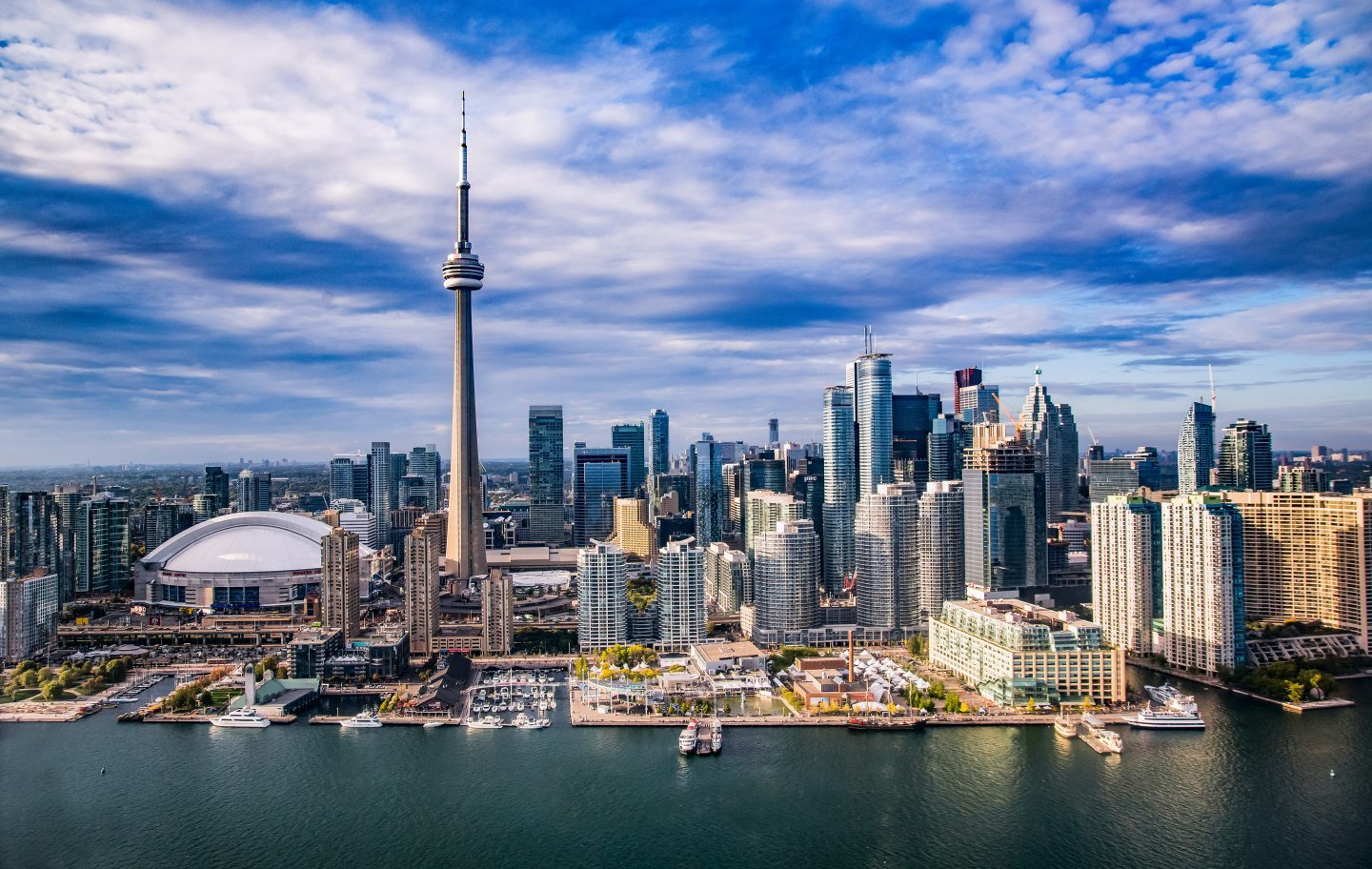 CN Tower - Tallest Building in the World - Beautiful Global