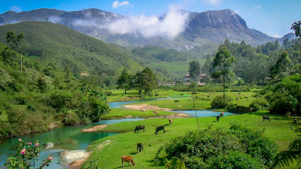 How many days are ideal for a vacation in Kerala